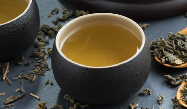 Sabe quais são as diferenças entre chá e infusão?