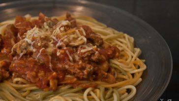 Receita de Esparguete à Bolonhesa muito simples