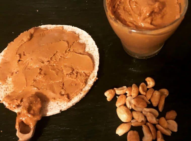 Receita da Manteiga de Amendoim fácil, caseira e saudável